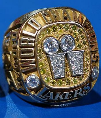 NBA Los Angeles Lakers World Champions Gold Ring_1