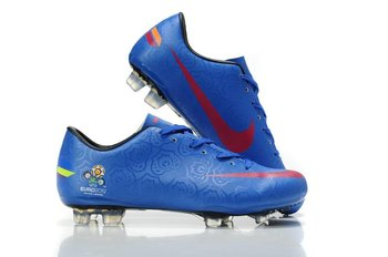 NEW Soccer Shoes-100